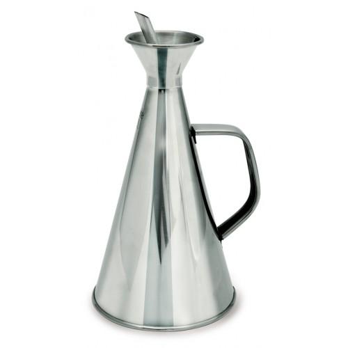 Лейка д/масла 500 мл нерж.стальЛейка для масла от бренда IRIS - прекрасный аксессуар в быту. Вы когда-нибудь пачкались жирным маслом? Наверняка, такое происходило, и не раз. Чтобы избежать подобных ситуаций, IRIS создали специальную лейку, которая позволяет не только хранить в ней подсолнечное или оливковое масло, но и аккуратно наливать его на сковородку или салат.<br>