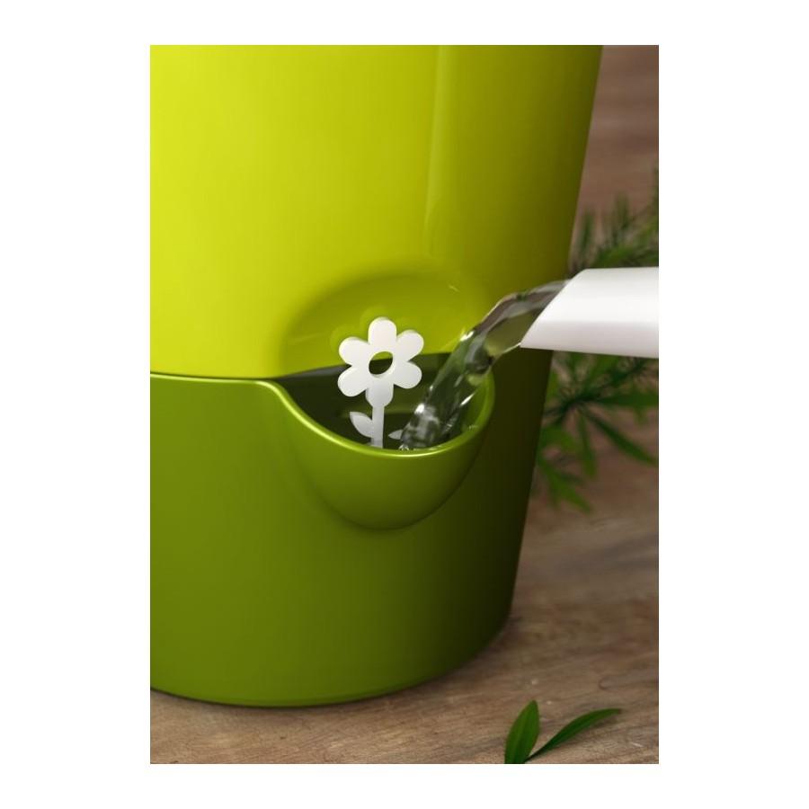 Горшок цветочный FRESH HERBS TRIOEMSA создает разнообразные товары для дома, дарящие комфорт и уют. Цветочный горшок с системой полива Аква Комфорт - отличный подарок каждой женщине.<br>