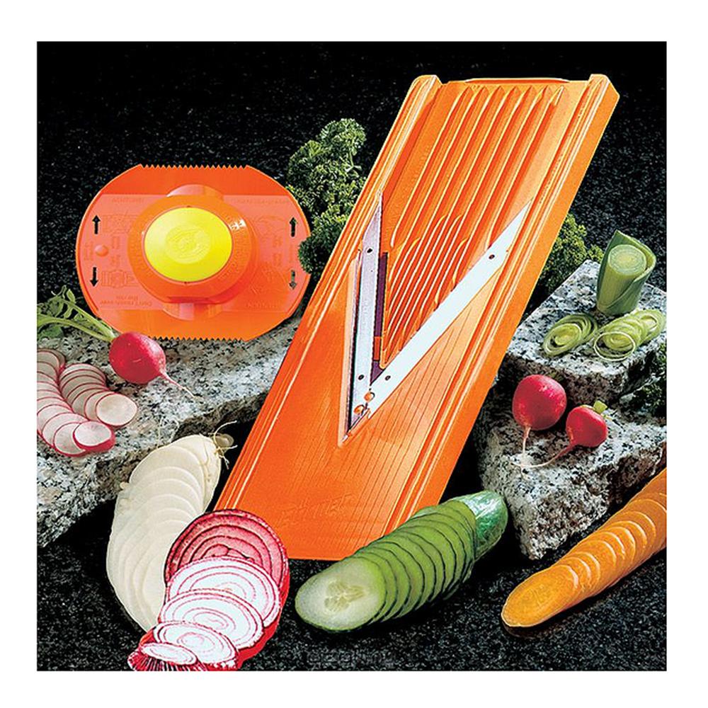 Овощерезка (комплект) с плододержателем CLASSIC оранжеваяОвощерезка (комплект) с плододержателем CLASSIC оранжевая - незаменимый помощник на вашей кухне. С этой овощерезкой приготовление пищи стало удобным и интересным занятием.<br>