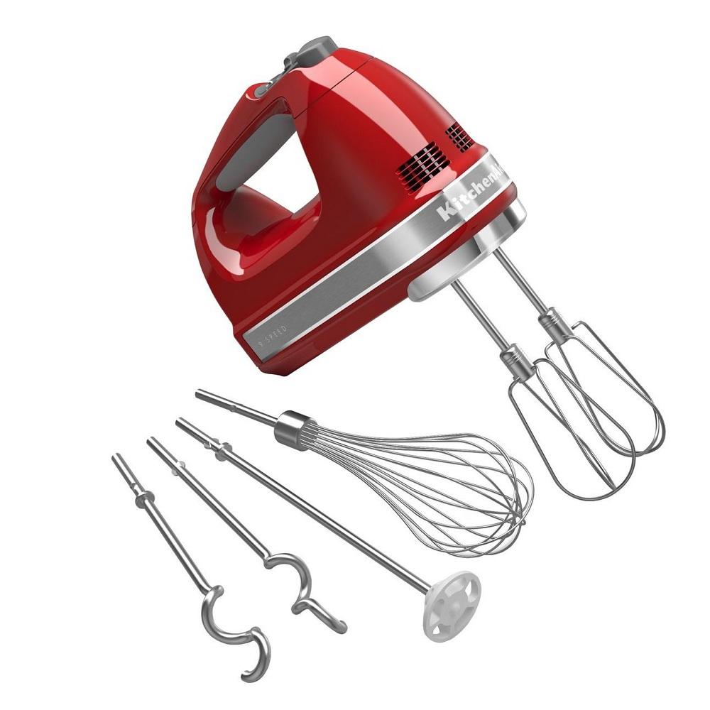 Миксер ручной  (230 - 1300 об/ мин)., Красный с 4 насадкамиКомпания  KitchenAid -  производитель высококачественной бытовой техники уже более 90 лет. Главные особенности продукции данной компании - это качество, надежность и долговечность. Все изделия изготавливаются из высококачественных материалов. Миксер - неотъемлемый атрибут каждой кухни, поэтому миксер от KitchenAid будет служить вам долго и верно.<br>