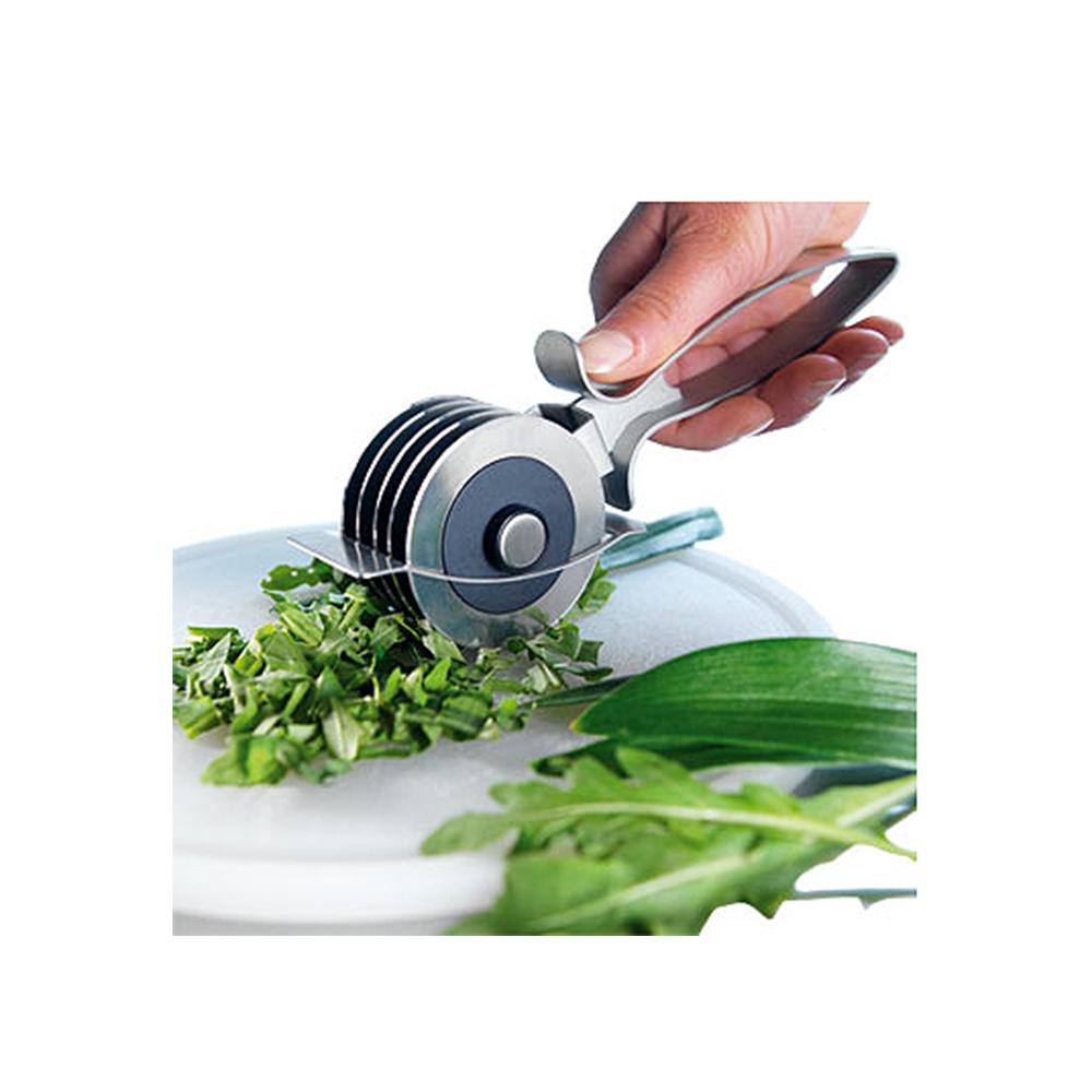 Измельчитель универсальный Раффинато металлическийИзмельчитель универсальный РАФФИНАТ подходит для измельчения зелени, сыра, ветчины и хлеба. Режет тоненькими полосками. Также хорошо подходит для приготовления макаронных изделий. Легко промывается проточной водой, можно мыть в посудомоечной машине.<br>