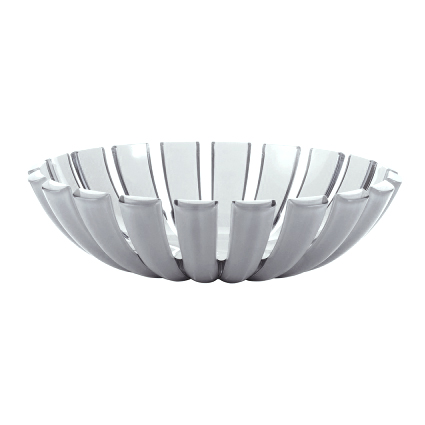 Салатница GRACEКомпания Guzzini основана в 1912 году. Она создает пластиковую посуду и аксессуары. Салатница имеет красивую форму и необычный дизайн, она украсит застолье, а также позволит красиво сервировать салаты. Удобная и неприхотлива в уходе.<br>