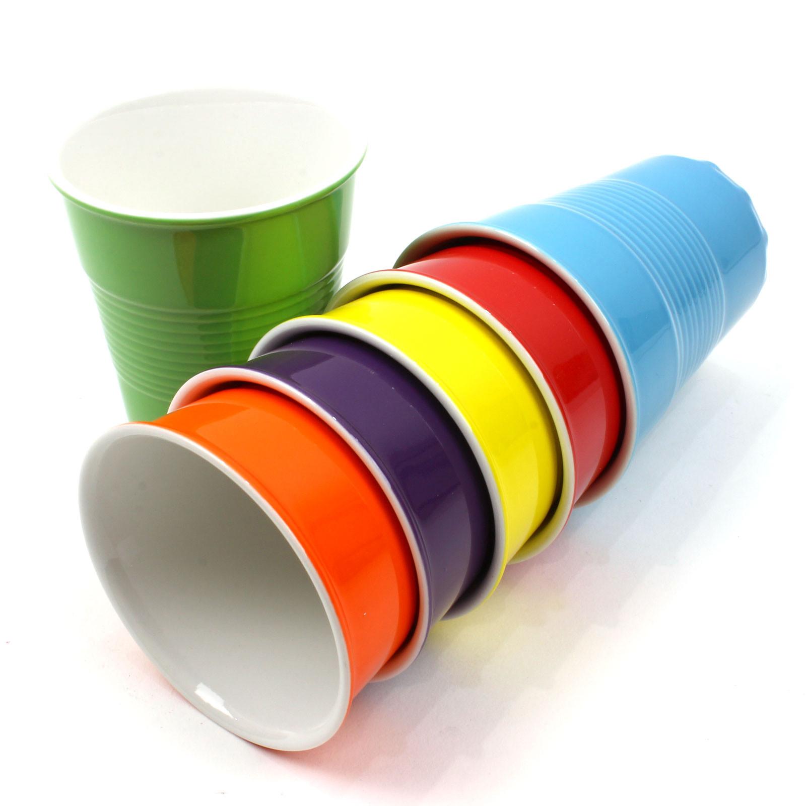 КружкаСтильные и оригинальные кружки в форме стаканчиков изготовлены и качественного фарфора. Сделают ваше чаепитие ярким и запоминающимся. Поднимут настрение вам и вашим гостям.<br>