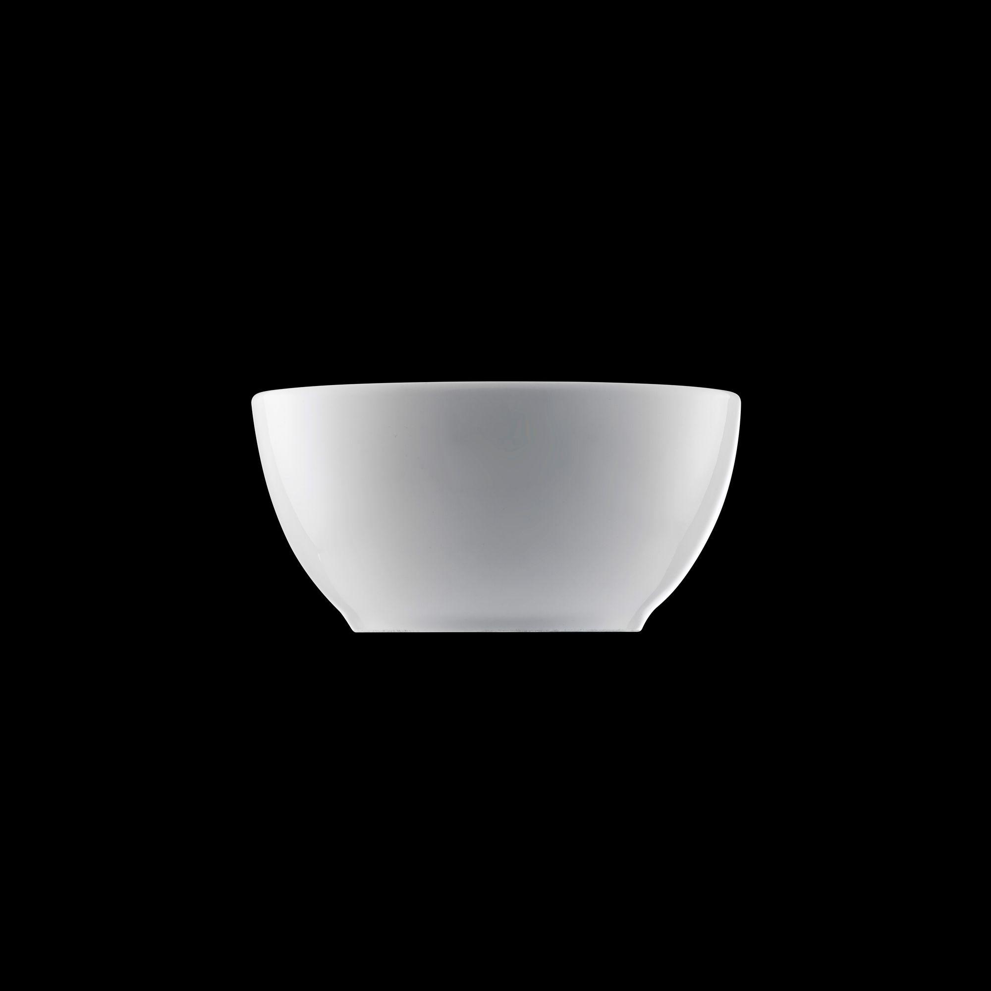 TUDOR ENGLAND Салатник 12.7 смФарфор Tudor England – идеальное посудное решение для любой семьи или ресторана благодаря доступной цене, отличному внешнему виду и высокому качеству, прочности и долговечности, привлекательному дизайну и большому ассортименту на выбор. Важным преимуществом является возможность использования в микроволновой печи, духовке (до 280 градусов) и мытья в посудомоечной машине. Линейка Tudor Ware производилась с 1828 года, поэтому фарфор Tudor England является наследником традиций, навыков и технологий ушедших поколений, что отражается в каждой из наших фарфоровых коллекций.<br>