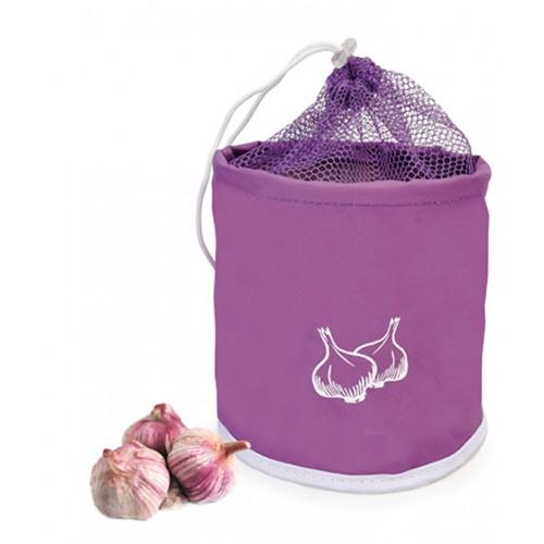 Сумка д/хранения чеснока из брезентовой ткани с сеткой на кулиске ФиолетовыйСумка для хранения чеснока от испанского бренда IRIS это хитрая емкость, которая поможет Вам сохранить любимую пряность. Сумка сделана из полиэстера и имеет сетчатый верх на кулиске. Теперь Вы сможете легко и просто защитить чеснок от попадания пыли и грязи, а также хранить его в сухом и теплом месте.<br>
