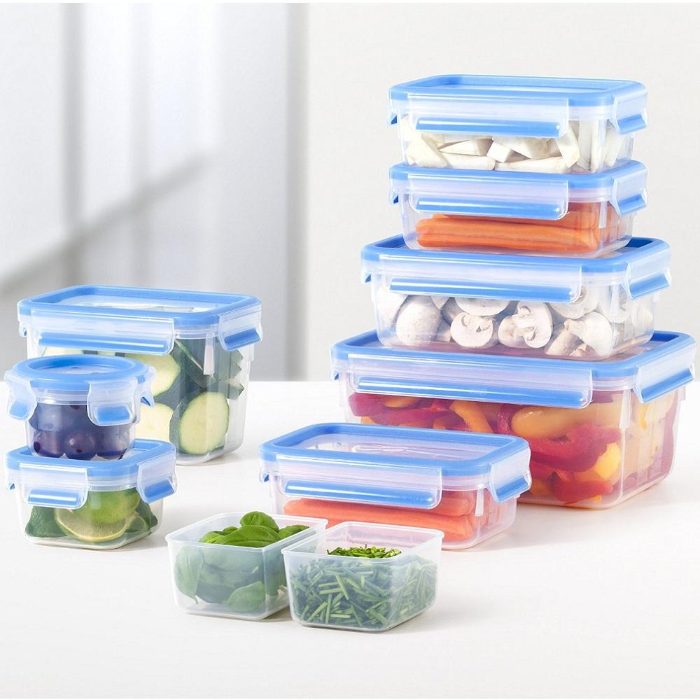 Набор контейнеров CLIP&amp;CLOSE 9 шт(0,15л/0,25л/2*0,55л/0,55л(со втавками)/1л/1,10л/2,3л)Вам когда-нибудь пригождались контейнеры для пищевых продуктов? В этом наборе их аж 9 штук, и все они различных объемов, поэтому для каждого контейнера CLIP&amp;CLOSE непременно найдетя свое применение.<br>