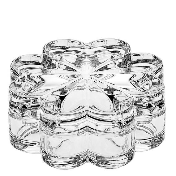 Шкатулка ЦветокБогемский хрусталь или Bohemia Crystal Company существуют с 2006 года и осуществляют поставку и продажу предметов из стекольного чешского хрусталя. Шкатулка Цветок станет изящным украшением Вашего дома. В ней можно сохранить разные мелочи и личные украшения. Кроме того, высочайшее качество хрусталя делает шкатулку легкой и идеально прозрачной. Это будет хороший подарок для Ваших родных и знакомых.<br>