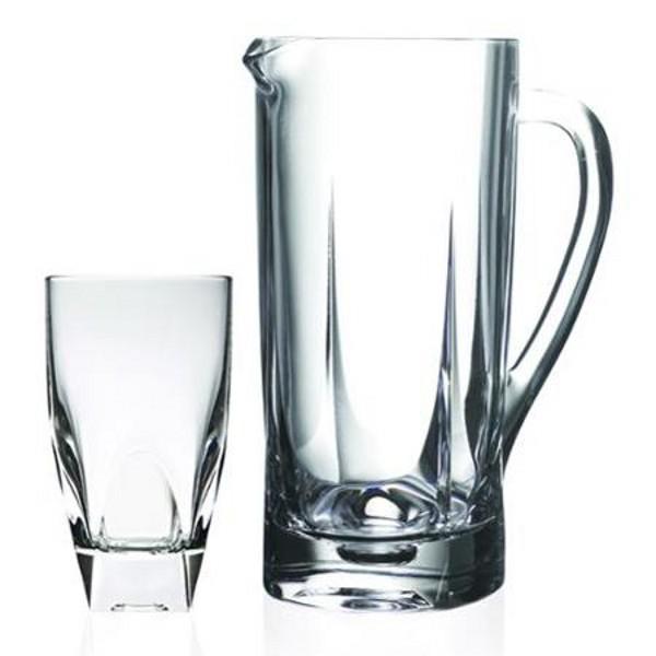 Набор для напитков 7 предметов FUSIONНабор для напитков FUSION, состоящий из кувшина и шести стаканов, несомненно придется Вам по душе. Набор изготовлен из высококачественного хрустального стекла, прекрасно подходит для сока, воды, лимонада и других напитков. Будет отлично смотреться на любом столе. Изделия устойчивы к повреждениям и истиранию, в процессе эксплуатации не впитывают запахи.<br>