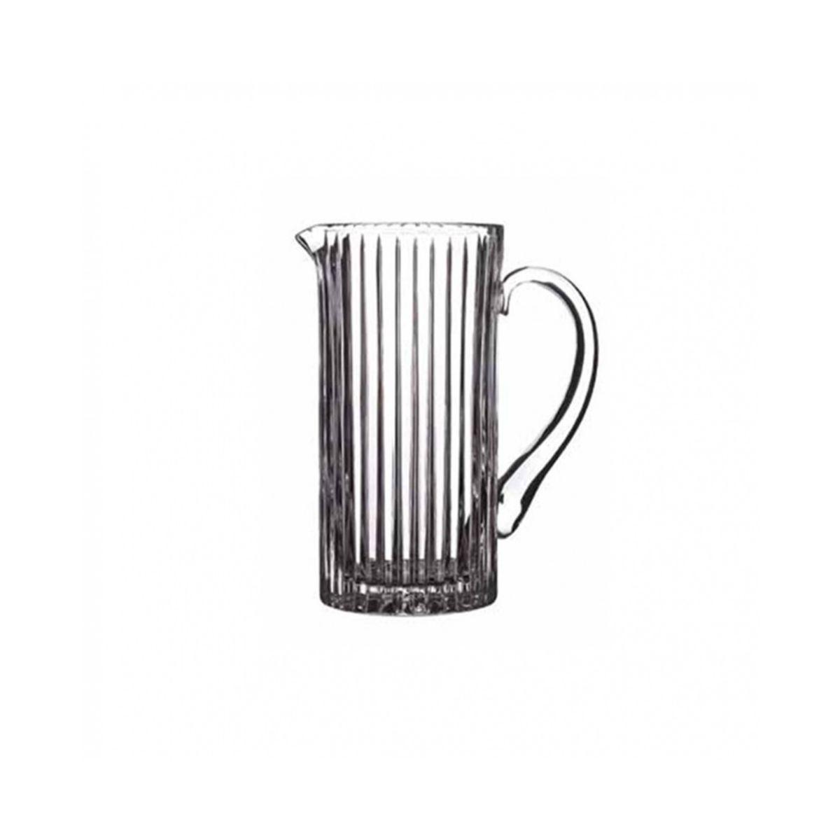 Кувшин д/напитков 1 2 л TIMELESSКувшин для напитков Таймлесс предназначен для хранения и сервировки безалкогольных прохладительных напитков. В нем удобно подавать лимонады, соки, прочие напитки, он отлично подойдет как для дома, так и для использования в кафе или ресторанах благодаря своему лаконичному и универсальному дизайну. Кувшин изготовлен из прочного толстостенного стекла, которое создается без применения свинца и других токсичных веществ. Изделие оснащено ручкой и носиком для аккуратного наливания. Кувшин для напитков Таймлесс украсит ваш стол во время повседневного обеда и станет отличным выбором для торжества.<br>