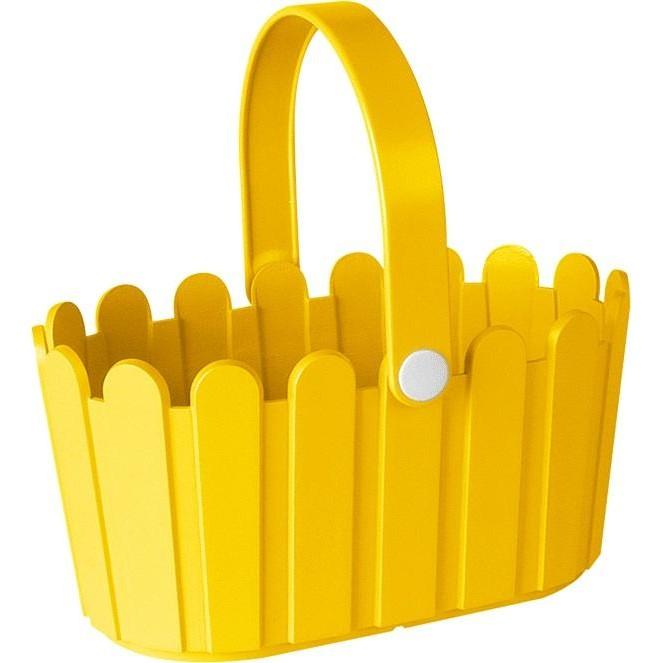 Корзинка LANDHAUS 28*18 см желтаяНемецкий бренд EMSA дарит жителям мегаполисов прекрасные аксессуары для дома и загородных домов, которые всегда радуют покупателей своим ярким и стильным дизайном и функциональностью. Кашпо в виде небольшой корзинки из высококачественного пластика яркого желтого цвета станет прекрасным украшением Вашего дома. Такой красивый аксессуар будет прекрасно смотреться на балконе. В нем можно легко высадить комнатные растения или рассаду для дачи.<br>