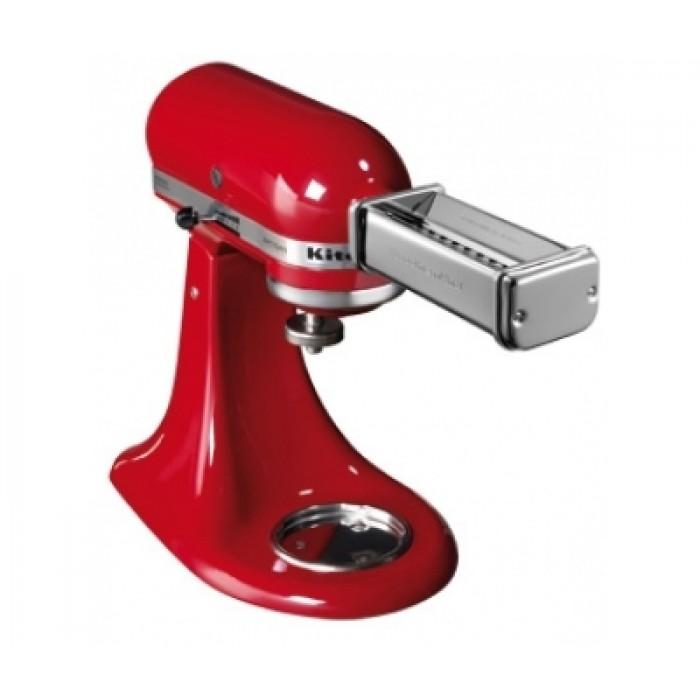 Набор ножей-насадок KitchenAid д/раскатки и нарезки спагетти феттучиниНабор насадок-роликовых ножи для пасты KitchenAid изготовлен из хромированной стали. В комплекте 3 устройства: для раскатывания листов теста, для нарезки широкой и узкой лапши. Для нарезки пасты необходимо пропустить тесто через валики. Тонкие и ровные пласты теста можно использовать для приготовления феттучини и спагетти.<br>