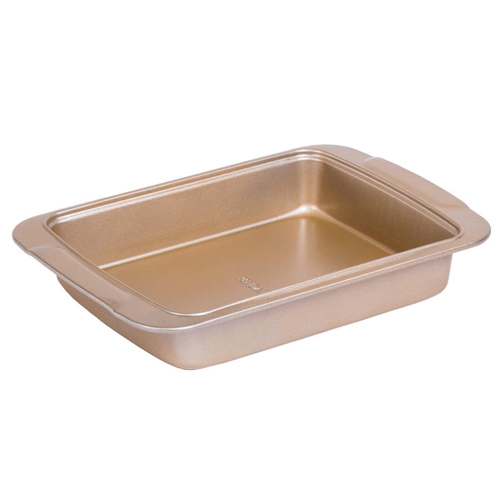 Форма для выпечки прямоугольнаяВ этой стильной большой форме для выпечки золотистого цвета у вас получится сделать прекрасный пирог или запеканка для всей семьи.<br>