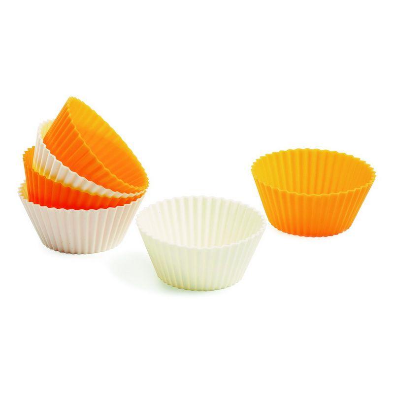 Набор форм для выпчки кексов круглые силиконовые 6 штВостребованный в хозяйстве набор форм для выпечки кексов, выполнен в классической форме. Использование качественного силикона, устойчивого к воздействию высоких температур, гарантирует хорошо пропеченное тесто, в конце вы не столкнетесь с подгоревшим дном или краями. Из-за эластичности материала испеченное кондитерское изделие легко извлекается из формочки, для следующей закладки теста достаточно лишь ее протереть, смазывать вторично маслом поверхность не нужно. Хранить набор форм для выпечки кексов несложно, они вставляются одна в одну, не занимая много места в кухонном шкафу.<br>