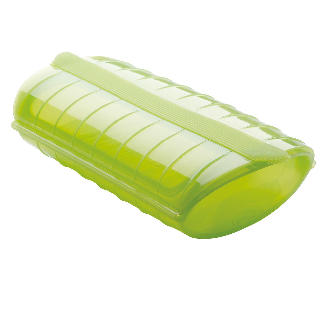 Конверт для запекания, силиконКонверт для запекания Лекуэ изготовлен из силикона и выполнен в ярком салатовом цвете. Испанский производитель сделал свой товар максимально удобным и простым в применении.Особенности изделияКонверт представляет собой конструкцию, состоящую из основания и двухстворчатой крышки. Имеется небольшой поддон, на который укладываются продукты. Конверт используется не только для приготовления пищи. В нем можно быстро разогреть еду в микроволновке или разморозить полуфабрикаты. Он также пригоден для хранения продуктов в холодильнике. Купить силиконовый конверт для запекания по привлекательной цене можно в сети магазинов Cookhouse или сделав заказ на сайте.<br>