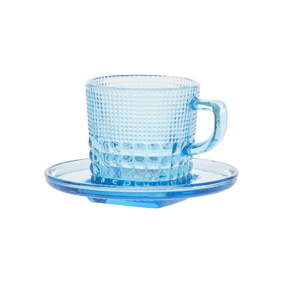 Чашка с блюдцем кофейная Royal drops, голубойЧашка с блюдцем кофейная Роял дропс представляет собой стильную пару в оригинальном и ярком дизайне. Она станет настоящим украшением вашего стола и подойдет как для повседневного использования, так и для торжественных случаев, для дома и офиса, а также для кафе и баров. Модель выполнена из усиленного цветного стекла с необычным рельефным декором. Толстое стекло эффективно сохраняет первоначальную температуру напитка. Оптимальный объем модели подойдет как для эспрессо, так для американо. Чашка с блюдцем кофейная Роял дропс – лучший выбор для ценителей кофе и чаепитий.<br>