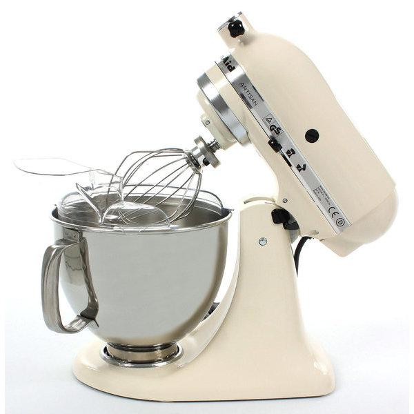 Миксер планетарный с чашей полупроф. Kitchen Aid 4,83 л кремовыйМиксер KitchenAid Artisan - уникальное многофункциональное устройство. Откидывающаяся головка миксера KitchenAid Artisan позволяет легко менять насадки и устанавливать чашу. Миксер имеет 10 скоростных режимов.<br>