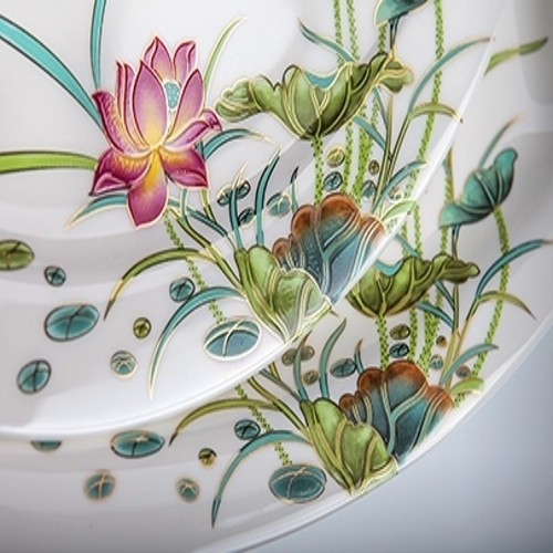 Набор салатников ЛотосRoyal Aurel производит фарфоровую посуду. Главный девиз компании - качество и долговечность, соответственно, к производству каждого предмета компания подходит очень ответственно. Салатник - один из самых полезных предметов на кухне.<br>