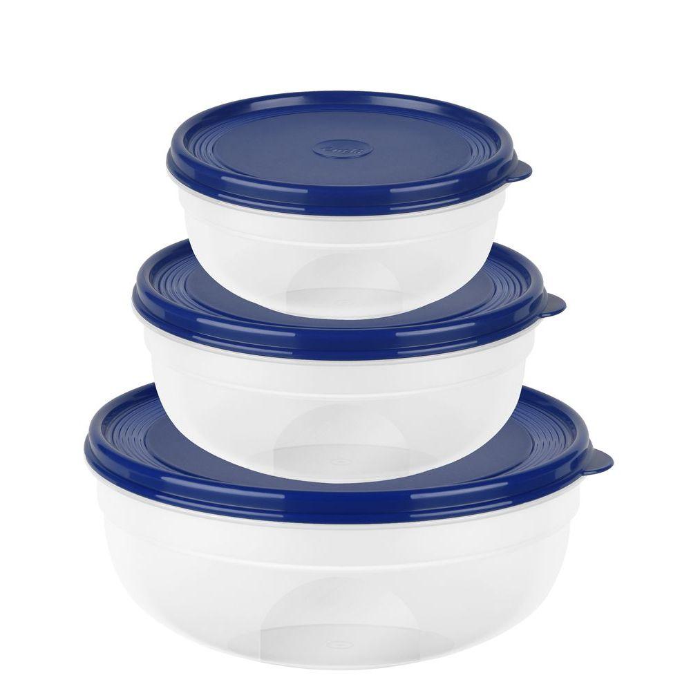 Набор контейнеров SUPERLINE круглые 3 шт (0,5л/1,2л/2,2л) синяя крышкаКонтейнеры из набора SUPERLINE пригодятся на любой форме. Их круглая форма обеспечивает комфорт использования, простоту ухода и хранения. Во-первых, готовые блюда удобно есть прямо из контейнера, не используя другой посуды. Во-вторых, круглую емкость легче мыть, так как загрязнения не забиваются в углы. В-третьих, разный диаметр чаш позволяет вкладывать их друг в друга по типу матрешки, что уменьшает необходимое для их хранения пространство.Все три контейнера снабжены крышками синего цвета. Они плотно закрывают чаши и не дадут продукту внутри емкости просыпаться или пролиться наружу.<br>