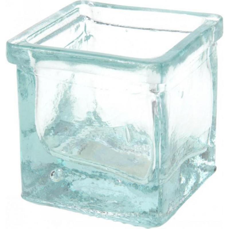 Подсвечник стеклянныйСтильный подсвечник квадратной формы украсит Ваш интерьер, будет удачно смотреться и радовать глаз.<br>