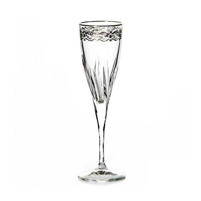 Набор бокалов для шампанского 190 мл. 6 шт. FLUENTEНабор бокалов для шампанскогоФлюент отличается изысканностью и элегантностью дизайна. Высокие стенки узкого бокала обеспечивают длительное сохранение вкуса и аромата игристого напитка, а преломление света в гранях стекла привнесет в ваш праздник настроение торжественности и роскоши. Бокалы изготавливаются из прочного стекла, для создания которого не применяются токсичные вещества. Набор станет универсальным выбором для дома, а также подойдет для применения в барах и ресторанах благодаря универсальному исполнению. Набор бокалов для шампанскогоФлюент – выбор для самых ярких праздников.<br>