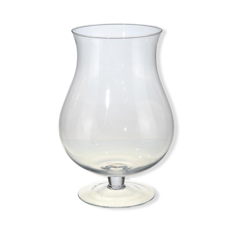 ВазаВаза из полупрозрачного стекла прекрасно впишется в интерьер квартиры. Вазу можно использовать по прямому предназначению, а также и в декоративных целях.<br>