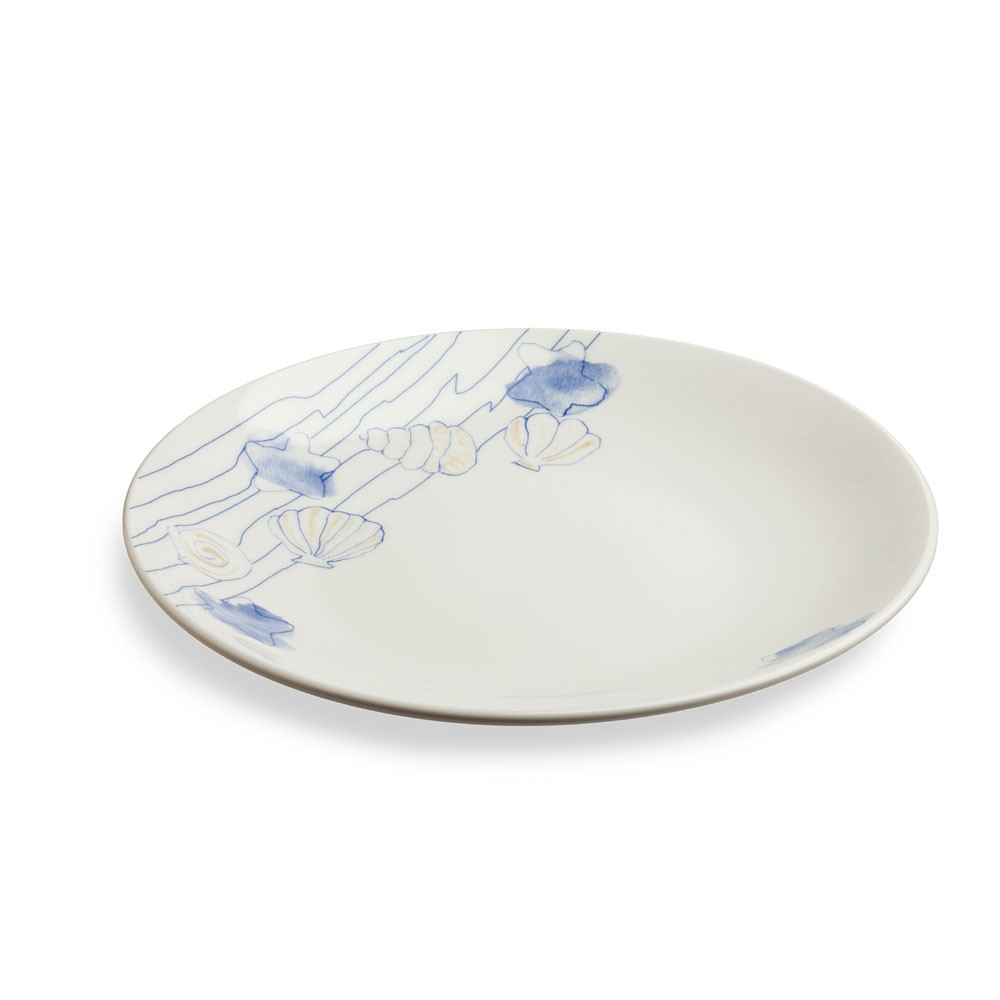 Набор тарелок подстановочных 3 шт. PERLA CONCHIGLНабор тарелок позволит вам красиво и стильно сервировать праздничный и повседневный стол. Представленная модель изготавливается из качественного фарфора. Этот материал надежно защищен от случайных повреждений в виде царапин и потертостей. Вы можете быть уверены, что изделия надолго сохранят свой первоначальный вид и даже после длительного использования будут выглядеть как новые. Простой и стильный дизайн станет органичным дополнением к сервировке стола.<br>