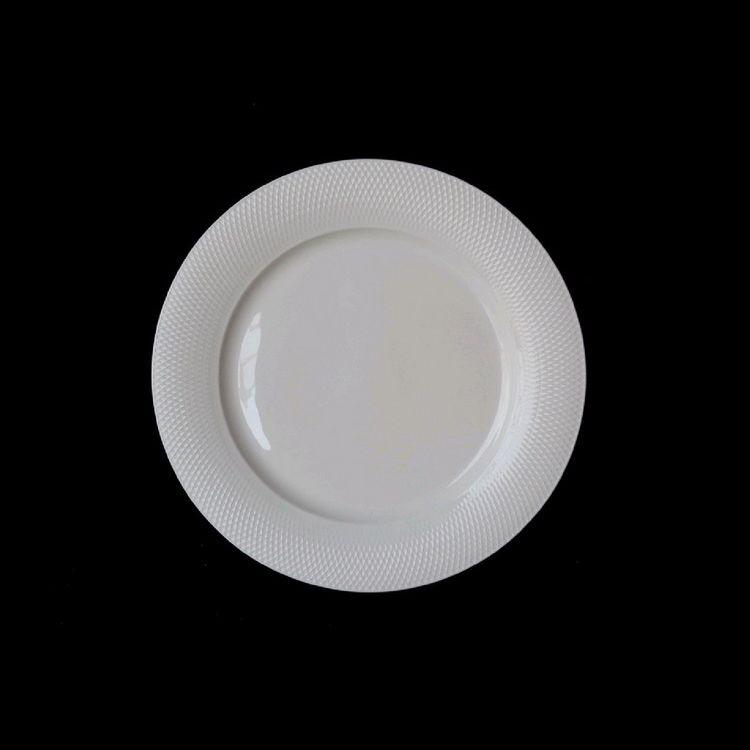 TUDOR ENGLAND Royal Sutton Тарелка обеденная 28 смФарфор Tudor England – идеальное посудное решение для любой семьи или ресторана благодаря доступной цене, отличному внешнему виду и высокому качеству, прочности и долговечности, привлекательному дизайну и большому ассортименту на выбор. Важным преимуществом является возможность использования в микроволновой печи, духовке (до 280 градусов) и мытья в посудомоечной машине. Линейка Tudor Ware производилась с 1828 года, поэтому фарфор Tudor England является наследником традиций, навыков и технологий ушедших поколений, что отражается в каждой из наших фарфоровых коллекций.<br>