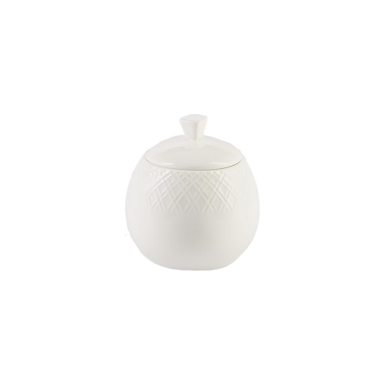 Сервиз чайный Геометрия 15 предм ( чашка чайная 220 мл 6шт; блюдце чайное 6 шт; чайник 1 шт; сахарница 1 шт; молочник 1 шт)Чайный сервиз Геометрия от Magia Gusto, созданный в минималистичном стиле, гармонично сочетает в себе нежность и сдержанность. Идеально подойдет для особых случаев или для уютного семейного чаепития. Набор состоит из пятнадцати предметов: шесть чашек объемом 220 мл каждая, блюдца в количестве шести штук, чайник, сахарница и молочник. Элементы сервиза в универсальном белом цвете с нанесенным рельефным узором в виде геометрических фигур выполнены из фарфора.<br>