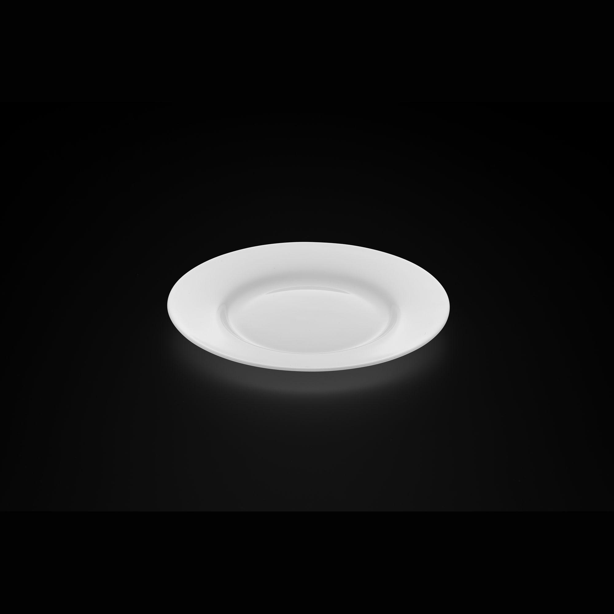 TUDOR ENGLAND Тарелка десертная 20 смФарфор Tudor England – идеальное посудное решение для любой семьи или ресторана благодаря доступной цене, отличному внешнему виду и высокому качеству, прочности и долговечности, привлекательному дизайну и большому ассортименту на выбор. Важным преимуществом является возможность использования в микроволновой печи, духовке (до 280 градусов) и мытья в посудомоечной машине. Линейка Tudor Ware производилась с 1828 года, поэтому фарфор Tudor England является наследником традиций, навыков и технологий ушедших поколений, что отражается в каждой из наших фарфоровых коллекций.<br>