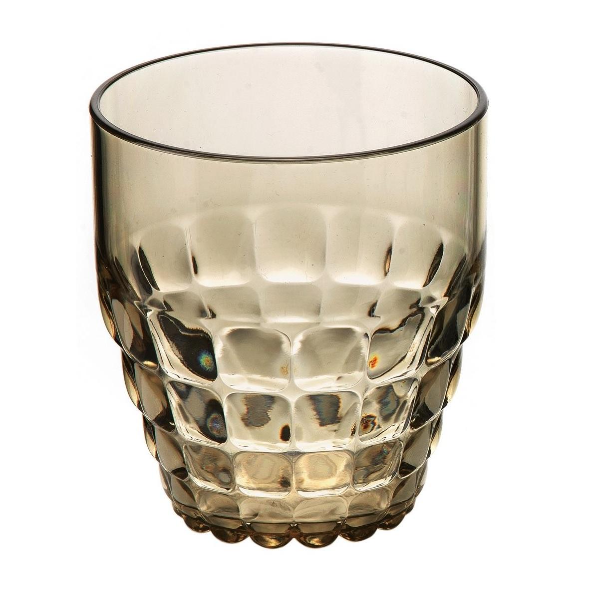 Стакан для напитков TIFFANYСервировка<br>Компания Guzzini основана в 1912 году. Она создает пластиковую посуду и аксессуары. Стакан имеет красивую форму и необычный дизайн, он украсит застолье, а также позволит красиво подать напитки. Удобный и неприхотлив в уходе.<br>