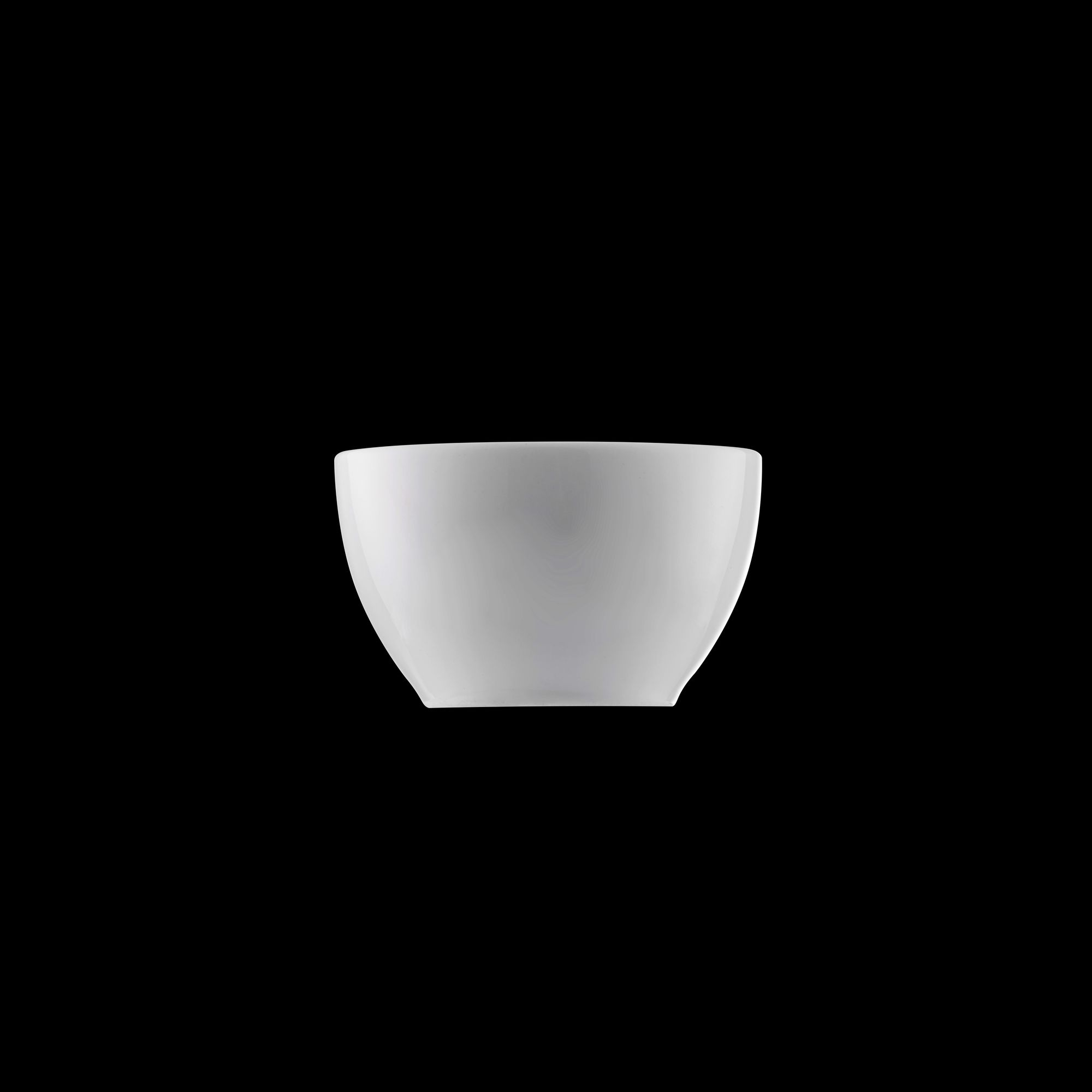TUDOR ENGLAND Салатник 10 смФарфор Tudor England – идеальное посудное решение для любой семьи или ресторана благодаря доступной цене, отличному внешнему виду и высокому качеству, прочности и долговечности, привлекательному дизайну и большому ассортименту на выбор. Важным преимуществом является возможность использования в микроволновой печи, духовке (до 280 градусов) и мытья в посудомоечной машине. Линейка Tudor Ware производилась с 1828 года, поэтому фарфор Tudor England является наследником традиций, навыков и технологий ушедших поколений, что отражается в каждой из наших фарфоровых коллекций.<br>