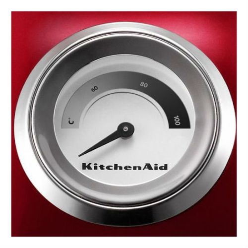 Электрочайник объемом 1,5 л, встроенный индикатор температуры красныйДвустенный электрочайник KitchenAid отличается превосходным дизайном и сочетает в себе множество функций. С таким чайником возможно настраивать температуру приготовления в соответствии с вашими предпочтениями. Двойные стенки чайника поддерживают воду горячей в течение длительного времени. Электрочайник станет незаменимым предметом на вашей кухне. Ёмкость: 1,5 л.<br>