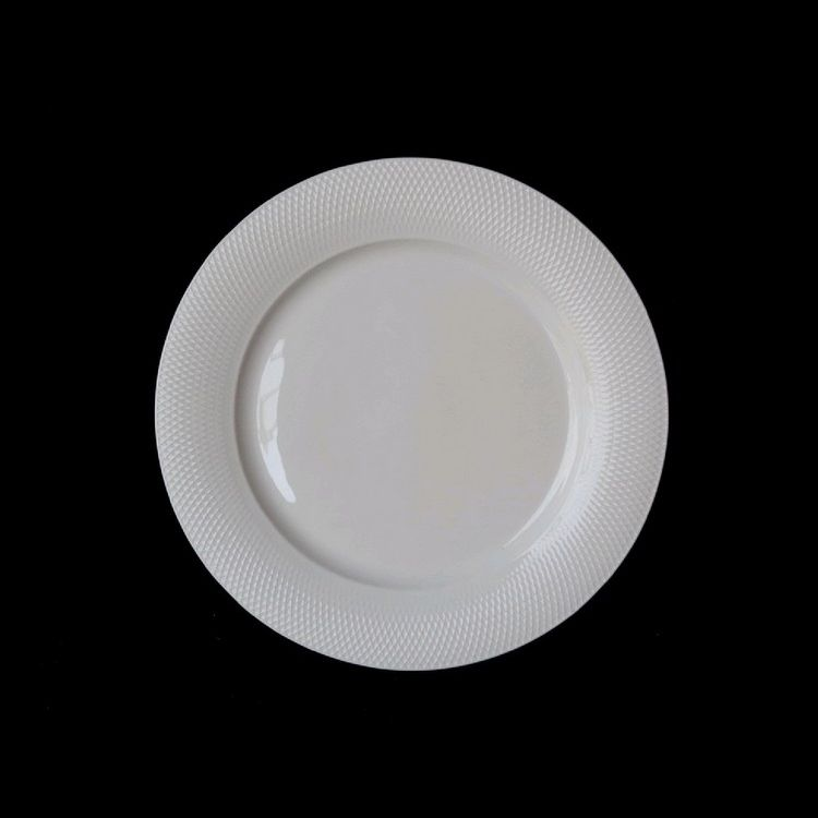 TUDOR ENGLAND Royal Sutton Тарелка обеденная 26 смФарфор Tudor England – идеальное посудное решение для любой семьи или ресторана благодаря доступной цене, отличному внешнему виду и высокому качеству, прочности и долговечности, привлекательному дизайну и большому ассортименту на выбор. Важным преимуществом является возможность использования в микроволновой печи, духовке (до 280 градусов) и мытья в посудомоечной машине. Линейка Tudor Ware производилась с 1828 года, поэтому фарфор Tudor England является наследником традиций, навыков и технологий ушедших поколений, что отражается в каждой из наших фарфоровых коллекций.<br>