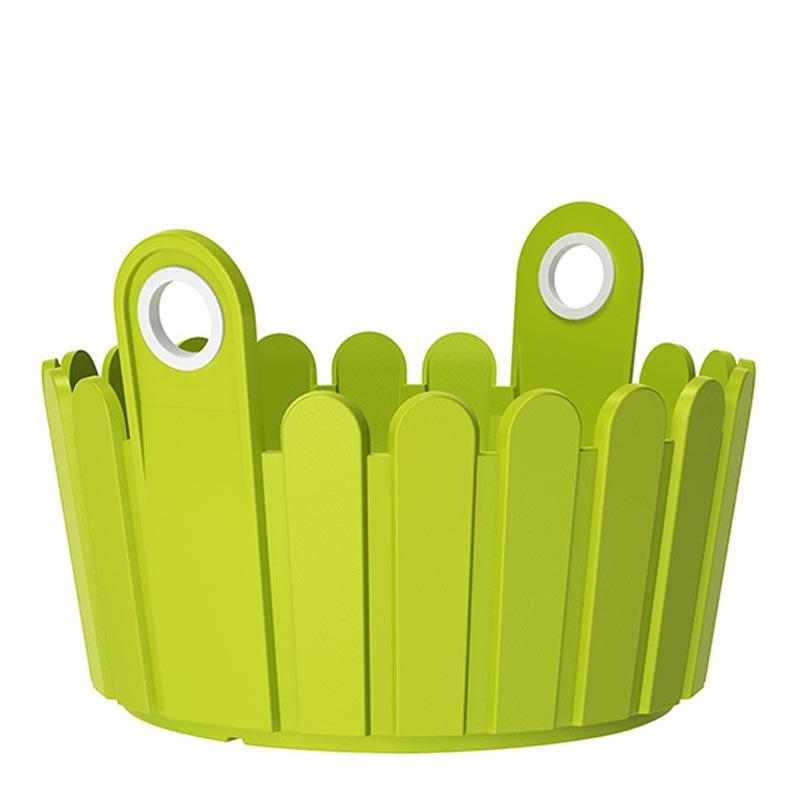 Кашпо LANDHAUS d30 см зеленоеНемецкий бренд EMSA дарит жителям мегаполисов прекрасные аксессуары для дома и загородных домов, которые всегда радуют покупателей своим ярким и стильным дизайном и функциональностью. Кашпо из высококачественного пластика зеленого цвета станет прекрасным украшением Вашего дома. Такой круглый ящик будет прекрасно смотреться на балконе. В нем можно легко высадить комнатные растения или рассаду для дачи.<br>