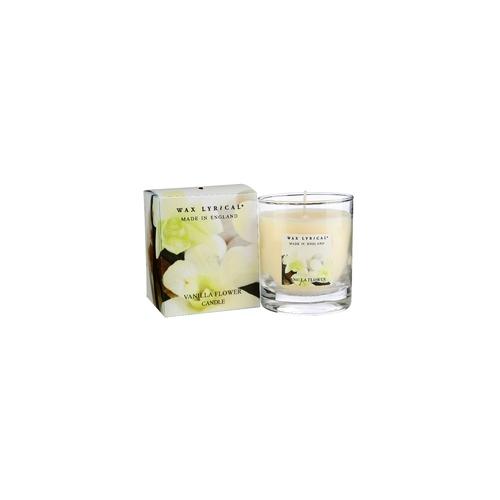 Свеча ароматическая Сливочная ваниль стекло/картон 7х8х7 белыйСвеча ароматическая Сливочная ваниль стекло/картон от английской компании Wax Lyrical.  Уникальное средство для устранения неприятного запаха. Благодаря технологии Odouraze , которая находит молекулы неприятного запаха, окутывает их и полностью уничтожает. Придаст воздуху  сладкий, манящий аромат ванили, миндаля и сливочной помадки.<br>