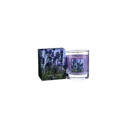 Свеча ароматическая Лаванда стекло/картон 7х8х7 фиолетовыйСвеча ароматическая Лаванда стекло/картон от английской компании Wax Lyrical.  Уникальное средство для устранения неприятного запаха. Благодаря технологии Odouraze , которая находит молекулы неприятного запаха, окутывает их и полностью уничтожает. Придаст воздуху  расслабляющий аромат лаванды с нотками эвкалипта и бергамота.<br>
