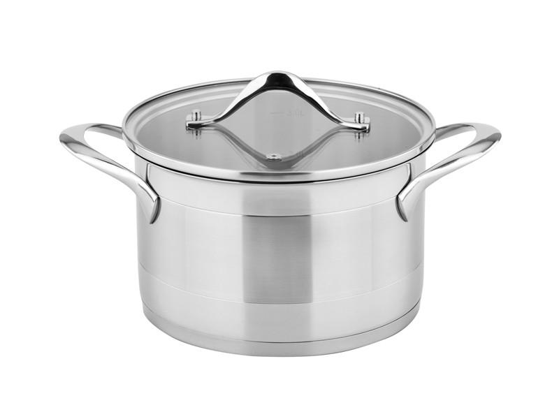 Кастрюля c крышкой 2л 18 смКомпания Oursson - это производитель кухонной посуды и аксессуаров. Качественные, стильные, эргономичные предметы быта данной марки представлены на мировом рынке. Кастрюля - один из представителей марки Oursson, который подарит вам комфорт при использовании.<br>