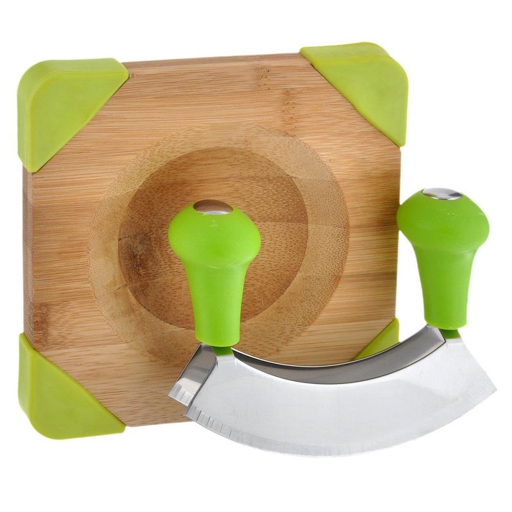 Доска с ножом для измельчения приправДоска с ножом для измельчения приправ от бренда Kasper с первого взгляда кажется каким-то инопланетным предметом, но за его внешним видом скрывается невероятная функциональность. На доске имеются антискользящие вставки и специальное углубление для специй. Нож в комплекте идет специальной формы, чтобы форма лезвия идеально совпадала с углублением в доске. Вам необходимо положить на доску необходимый продукт, и приступить к его непосредственному измельчению комплектным ножом.<br>