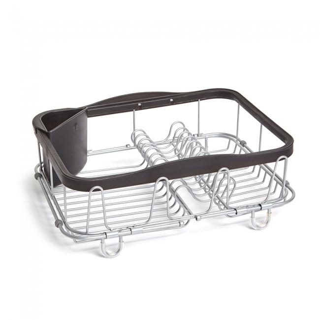 Сушилка для посуды SINKINОбновленная модель уже известной сушилки. Добавлены раздвигающиеся ручки для удобного хранения над раковиной. Теперь сушилку можно хранить непосредственно в раковине, над раковиной (если там размораживаются продукты, например) и на кухонной стойке. С боковой стороны добавлены 4 удобных выступа для сушки стаканов или чашек. По-прежнему, в комплект входит съёмный уголок для хранения столовых приборов. Ручки раздвигаются до 48.5 см.Дизайнер Umbra Studio<br>