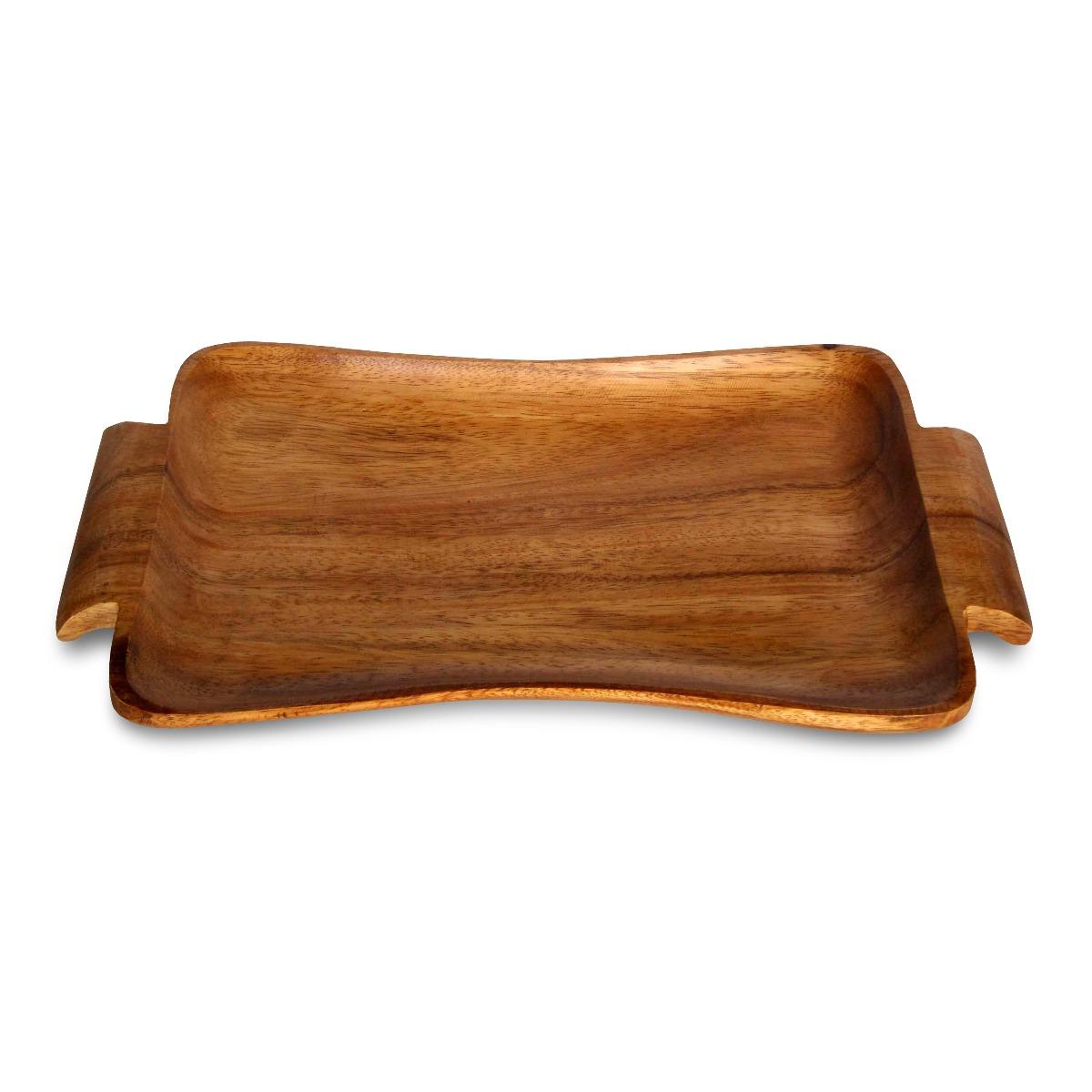 Поднос РетроБренд Oriental Way уже более 15 лет создает стильную и высококачественную посуду из натуральной тропической древесины и бамбука. Поднос Ретро несет в себе всю красоту деревенского быта и который передан в каждой детали этого изделия. Он отлично подойдет для подачи хлеба или овощей. Это очень удобный предмет сервировки, который обязательно украсит Ваш дом и порадует гостей. Деревянная посуда не впитывает влагу и запахи, а также имеет долгий срок службы, по сравнению с другими материалами. Такая посуда может быть отличным подарком, ведь она отличается своим качеством и оригинальностью. Нельзя мыть в посудомоечной машине.<br>