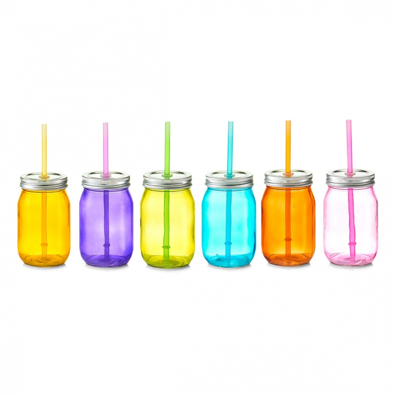 Емкость для напитков с трубочкой 450 мл., d-8х13Емкость для напитков с трубочкой станет незаменимым помощником для родителей маленьких детей. Представленная модель изготавливается из прочного материала, надежно защищенного от случайных повреждений: трещин, царапин и сколов. Это гарантирует долгий срок службы и безопасное использование. Плотно прилегающая крышка исключает вероятность проливания, а трубочка позволит пить на ходу или во время прогулки. Разнообразные цвета емкостей дадут возможность выбрать модель, которая понравится и вам, и вашему ребенку.<br>