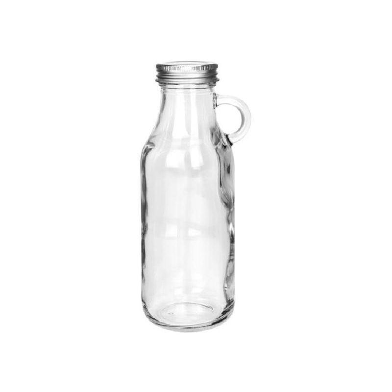 Бутылка с крышкой 500 млСтеклянная бутылка изготовлена из прозрачного пищевого стекла и закрывается металлической закручивающейся крышкой. У горлышка имеется небольшая закругленная ручка, при помощи которой удобно держать бутылочку, наливая жидкость без подтекания.Отлично подходит для хранения масла, различных соусов, сиропов, сливок и подачи их к столу в этой же посуде. Стол, сервированный к домашнему завтраку или обеду с использованием данной бутылочки, будет выглядеть просто и уютно.<br>