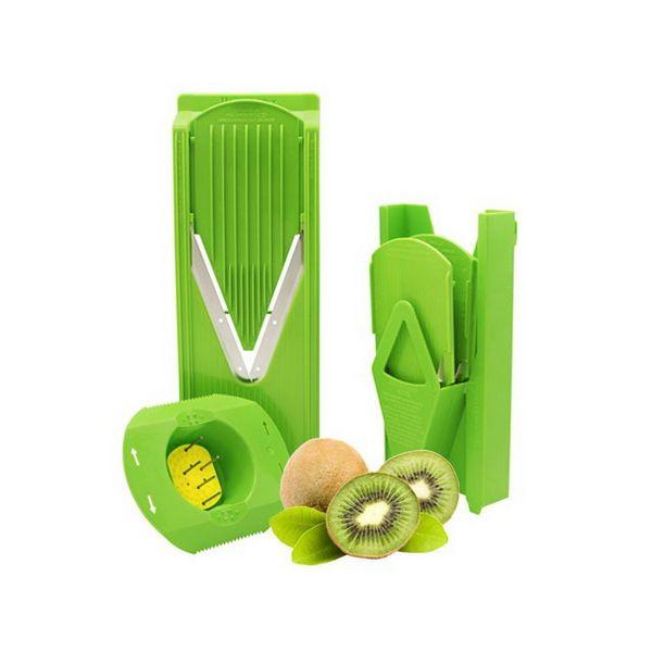 Овощерезка комплект TREND ПЛЮС салатоваяСалатовая овощерезка станет ярким аксессуаром и главной помощницей на кухне. Лезвия очень острые, а множество насадок позволяет разнообразить ежедневный рацион. Универсальная терка снабжена 6 предметами. Устройство требует минимального ухода: тщательно сполоснуть, аккуратно просушить и хранить в сухом прохладном месте. Пластик экологичен и подойдет даже для приготовления блюд самым маленьким членам семьи. Ножи имеют официальный патент. Модель пригодится в сезон заготовок и приготовления салатов. Овощерезка производится в Германии более шестидесяти лет. Ее приобретение в значительной степени облегчит повседневную жизнь настоящей хозяйки.<br>