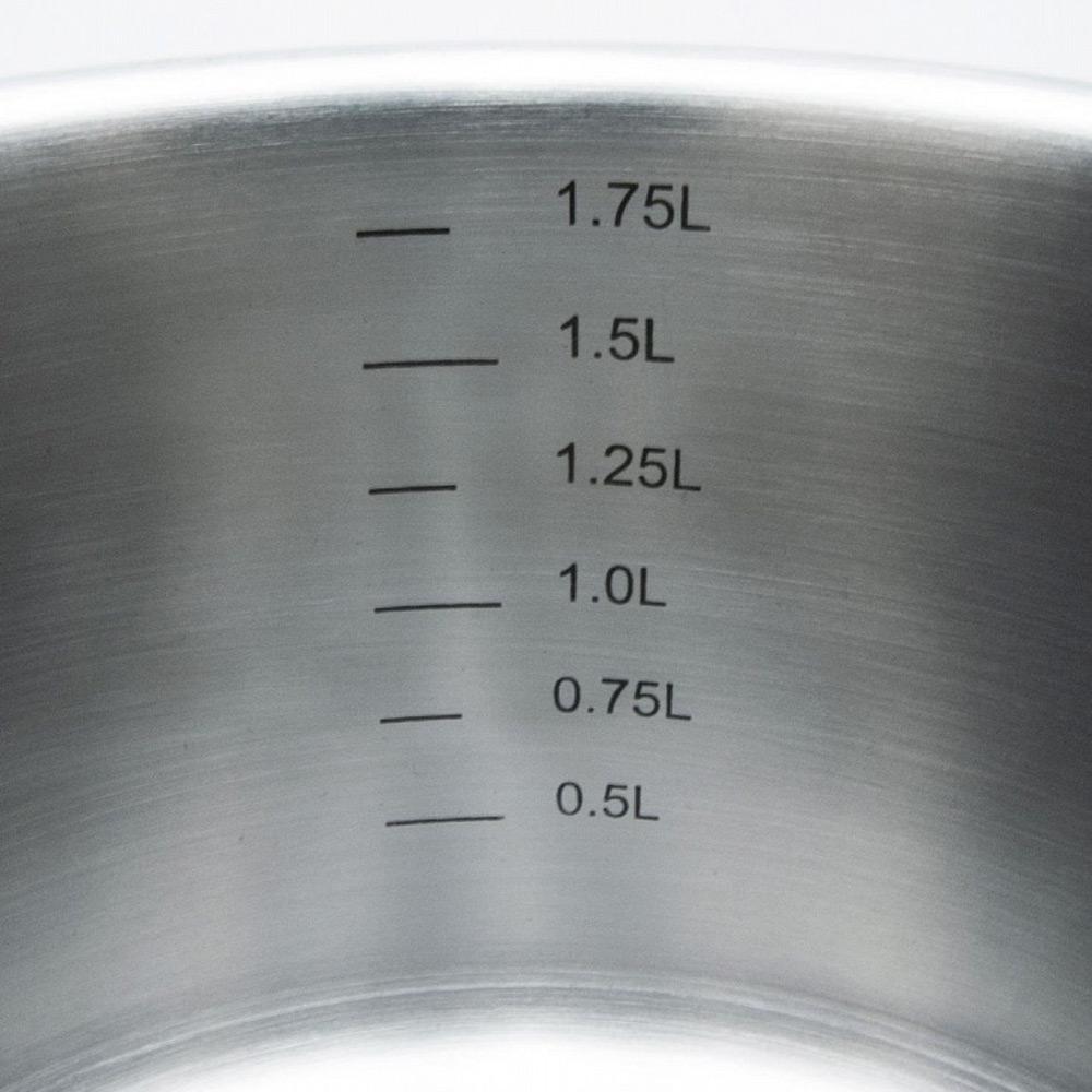 Набор кастрюль Pisa 16/20/20/24Набор кастрюль с крышками Pisa от компании Ballarini представляют классическую серию посуды из нержавеющей стали. Кастрюли имеют риски с указанием объема, что упросит приготовление блюд по рецептам. Подходит для всех видов плит, включая индукционные. Ballarini - итальянская компания, выпускающая столовые приборы и посуду из нержавеющей стали, которая славится своим качеством, практичностью, безукоризненным и продуманным дизайном.<br>