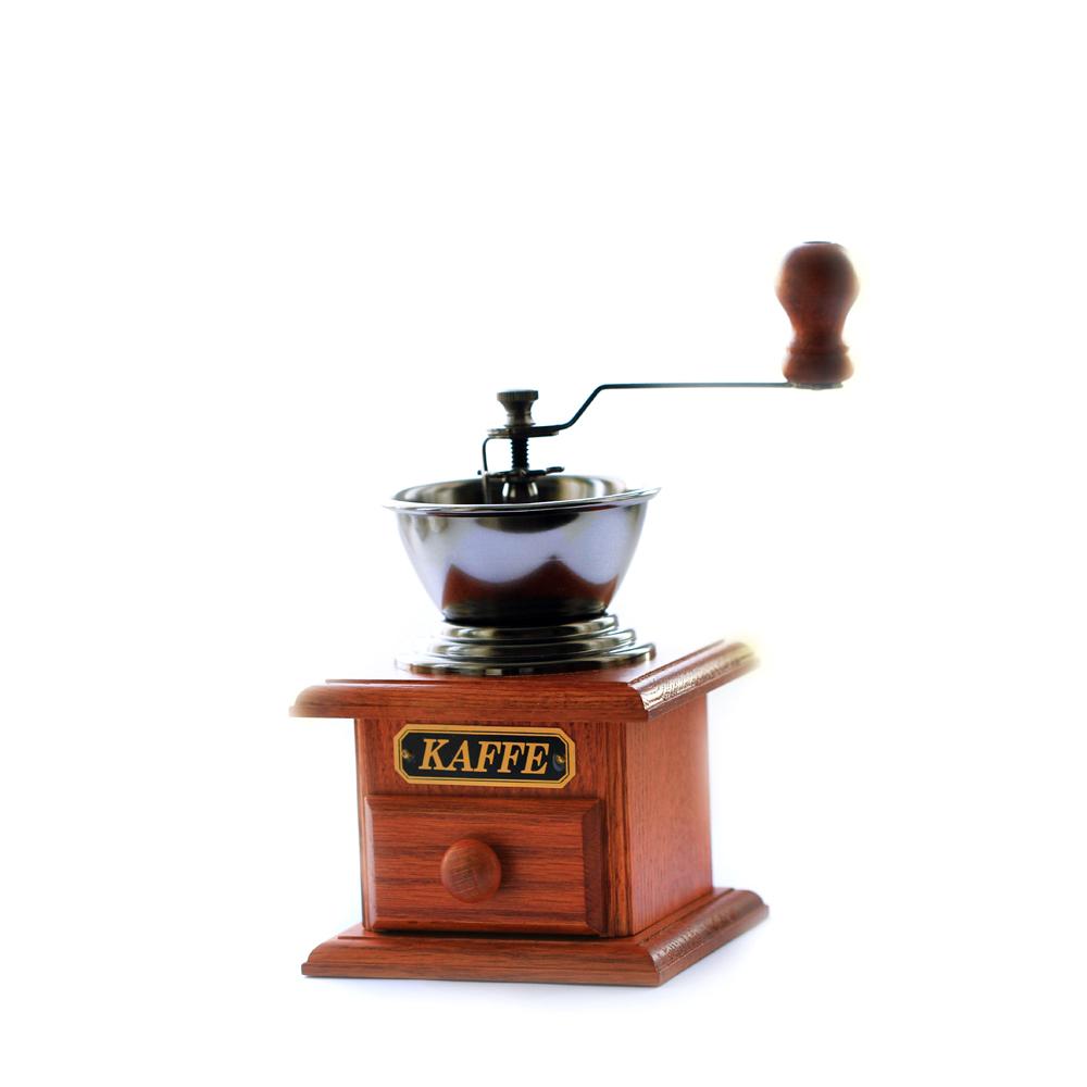 Кофемолка 100 мл. Бразилия-антикаБренд Hot Contents создал удивительные приспособления для любителей порадовать себя вкусным чаем или кофе. Используя только лучшие материалы для товаров, компания сделала их максимально долговечными и удобными.<br>
