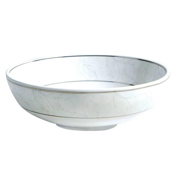 Тарелка суповая, 18 см, фарфор, FlorestinaПродукция Esprado представляет эргономичную и функциональную посуду из Дании. Различные аксессуары для дома и кухни сделают процесс готовки приятным и быстрым. Суповая тарелка из высококачественного фарфора займет достойное место за Вашим столом. Она отлично подходит для подачи супов. Удобная и эргономична форма украшена утонченным узором, что придает этому элементу сервировки особые шарм и нежность.<br>